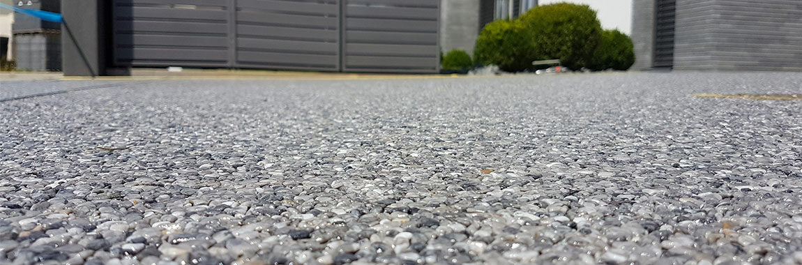 Einfahrt mit Steinteppich